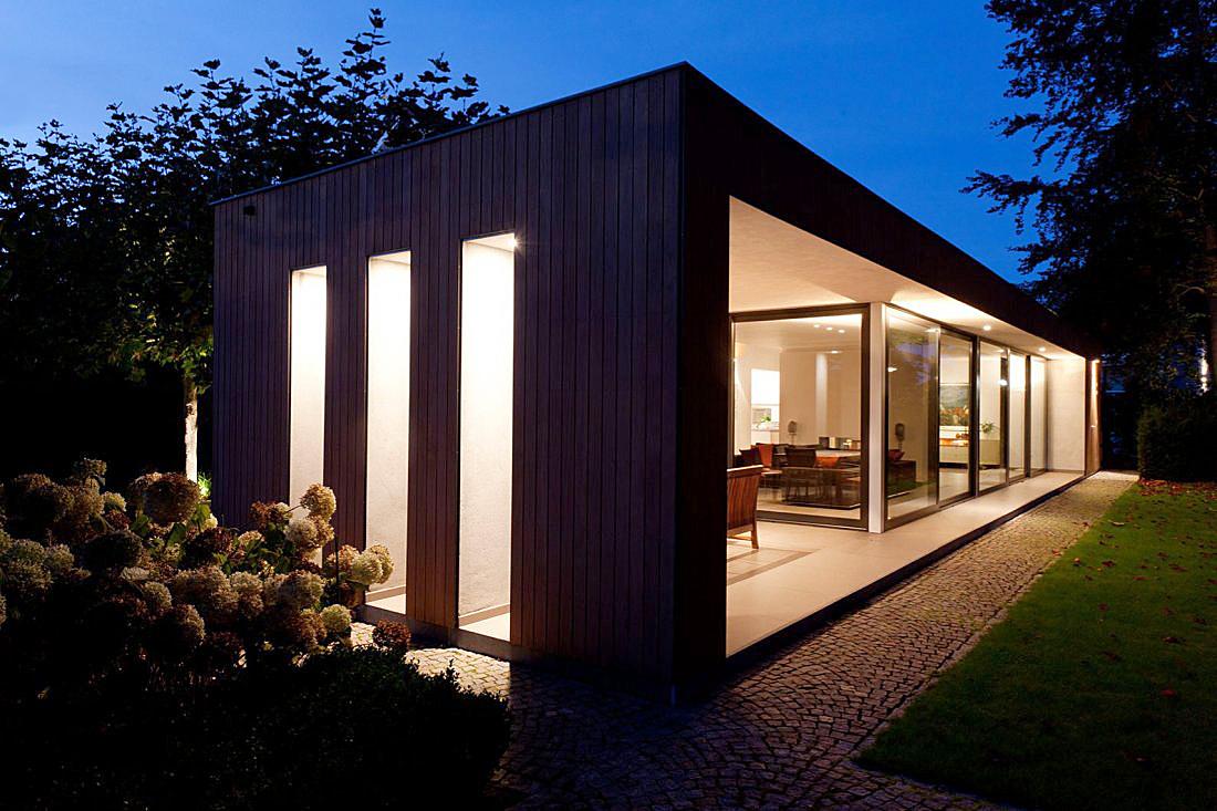 Aanbouw D met hout, glas en lichtstraat - walhalla.com