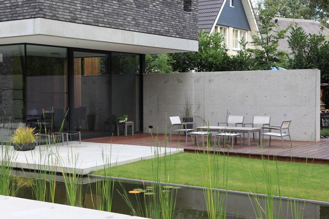 Moderne tuin met vijver walhalla.com