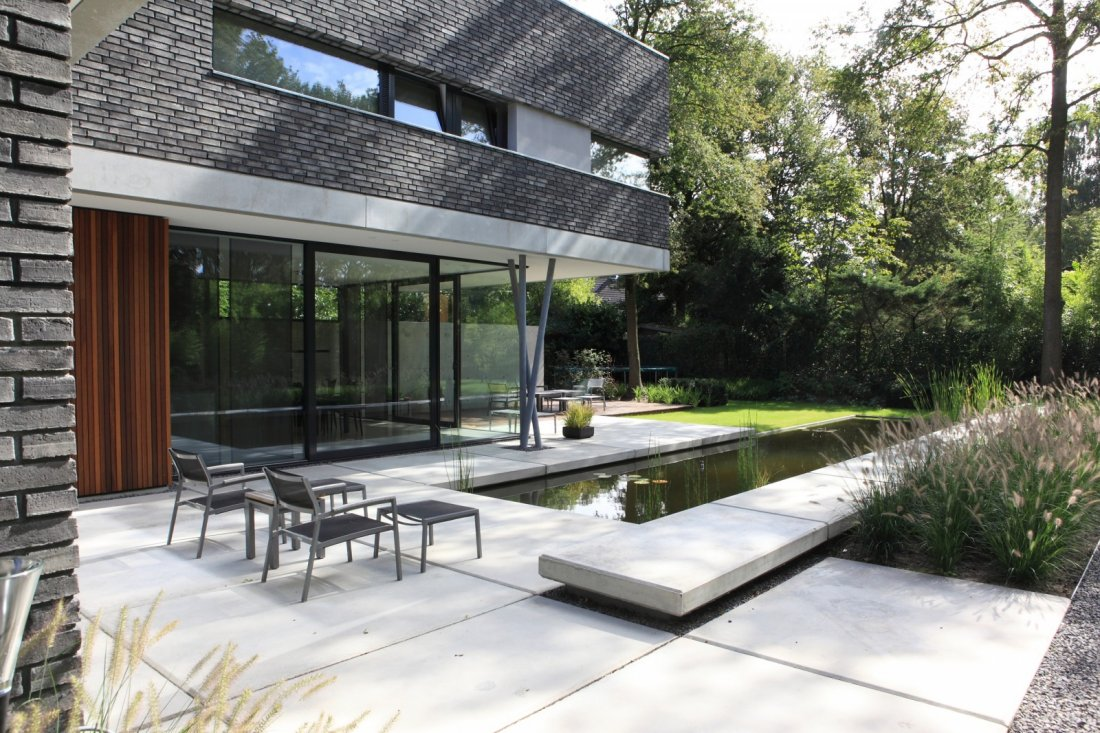 Stenen tuin modern a van spelde hoveniers strakke tuin in tilburg - Idee van allee tuin ...