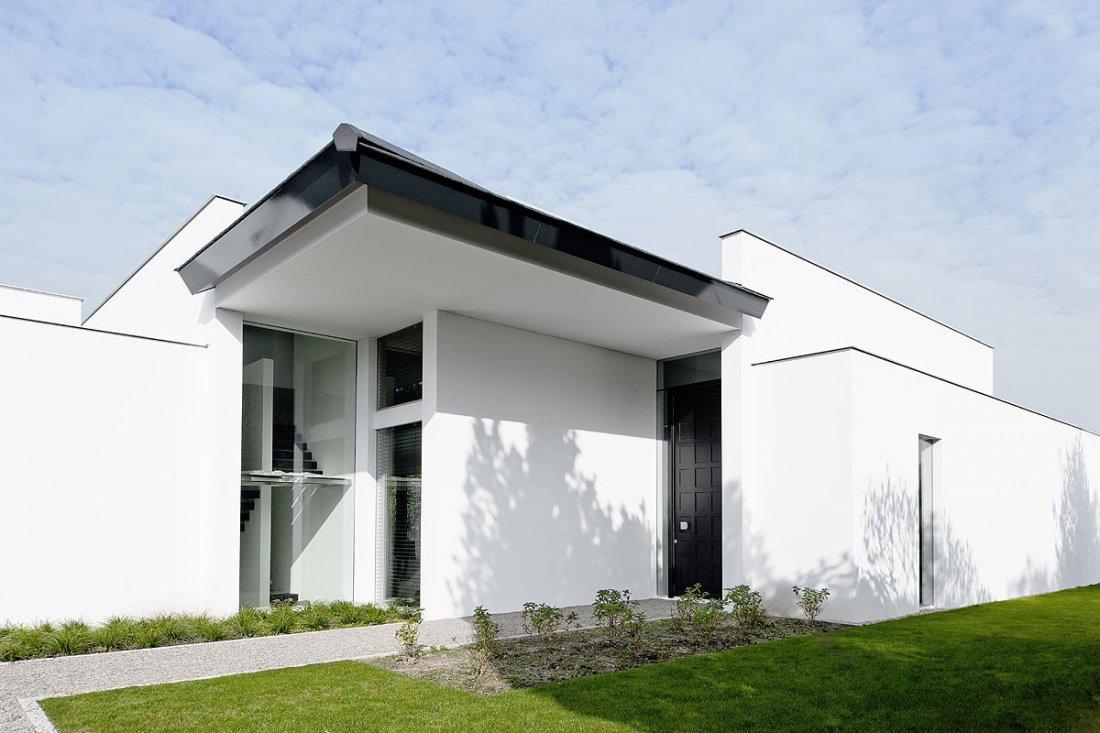 Veel wit strak modern huis - Foto modern huis ...