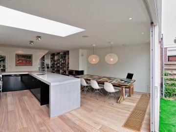 Idee n en inspiratie voor je woonkamer - Trap binnen villa ...