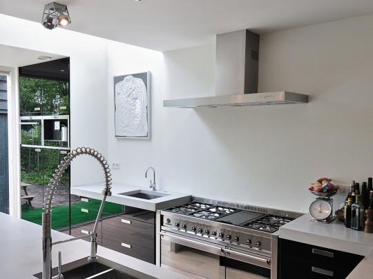 Landelijke eetkamer wit cuisine rouge et noir ikea idee deco meuble startpagina decoratie en - Idee deco keuken ...