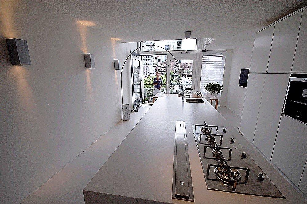 Minimalistisch interieur met design klassiekers - walhalla.com