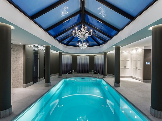 Poolhouse wellness design