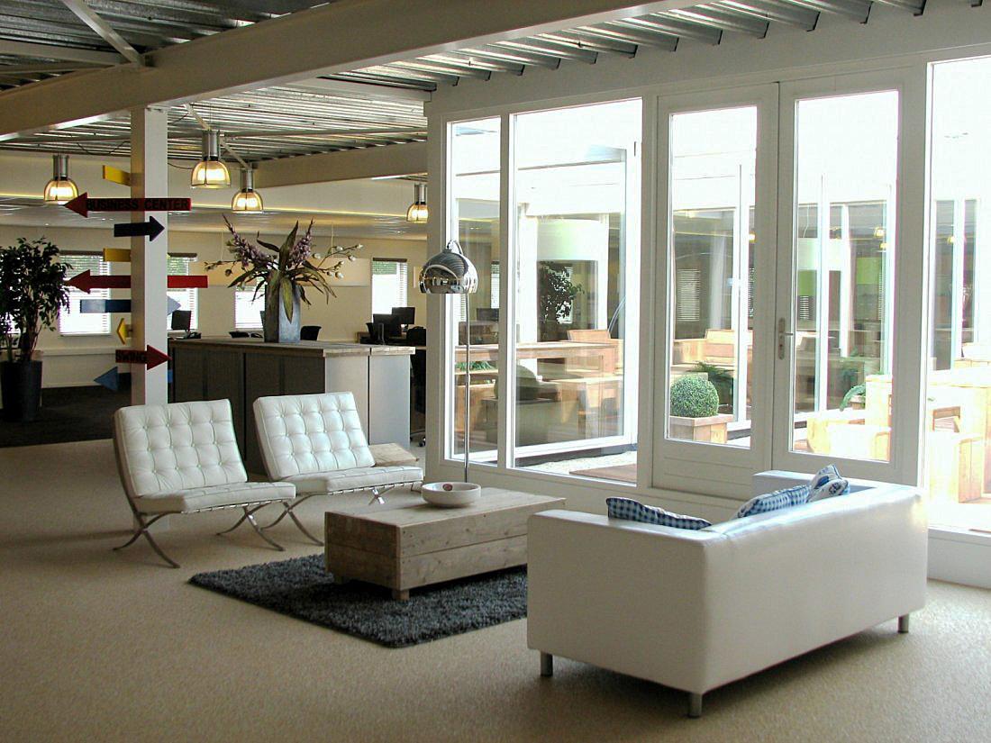 Eigenzinnig kantoorinterieur verbouwing for Kantoor interieur inspiratie