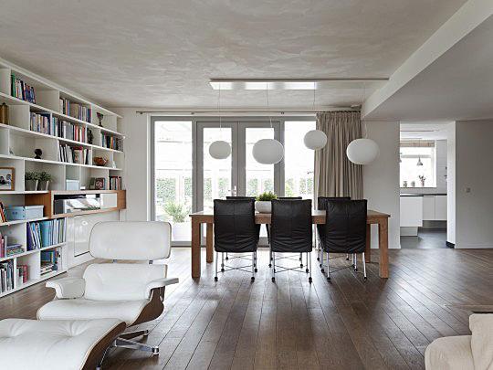 Moderne Woonkamers Voorbeelden: Moderne woonkamer foto s fotos en ...