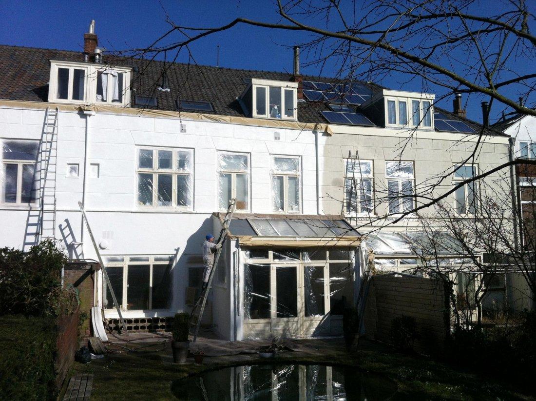 Witte gevelcoating rijtjeshuis - walhalla.com