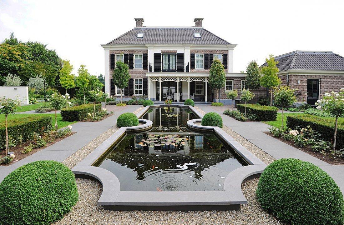 Romantische Tuin In Harmonie Met Het Huis Walhalla Com
