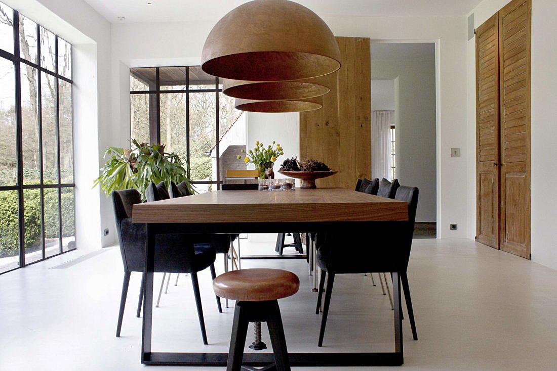 Moderne keuken in landelijk huis van de appelboom - Moderne eetkamer en woonkamer ...