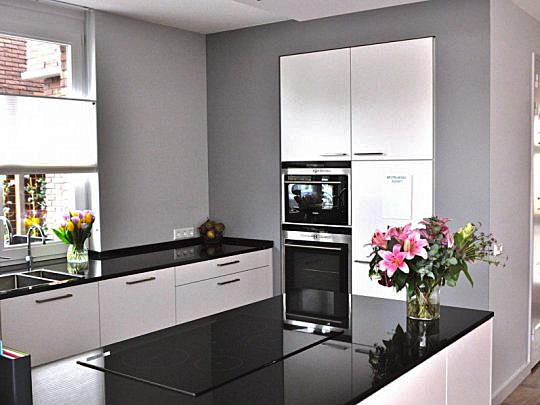 Jaren 30 stijl keuken awesome in de deur van de woonkamer for Jaren 30 stijl interieur