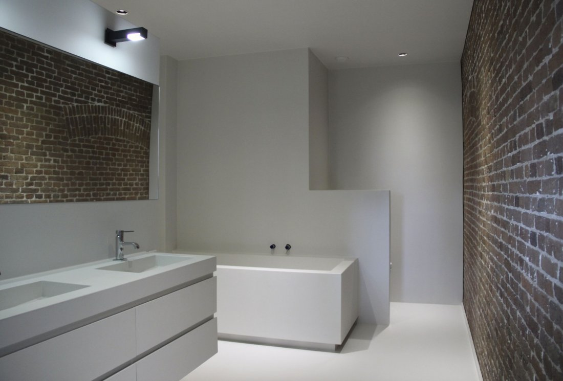 Naadloze stoere badkamer - Badkamer muur tegel ...