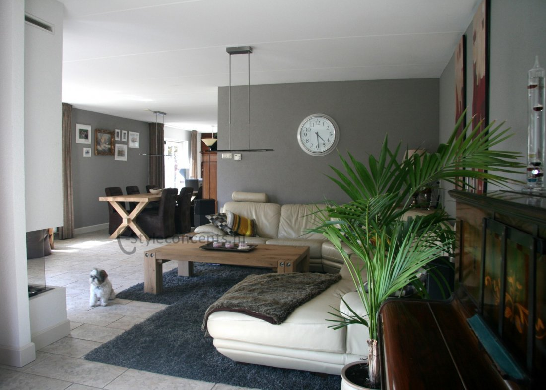 Woonkamer in modern landelijke stijl - Moderne eetkamer en woonkamer ...