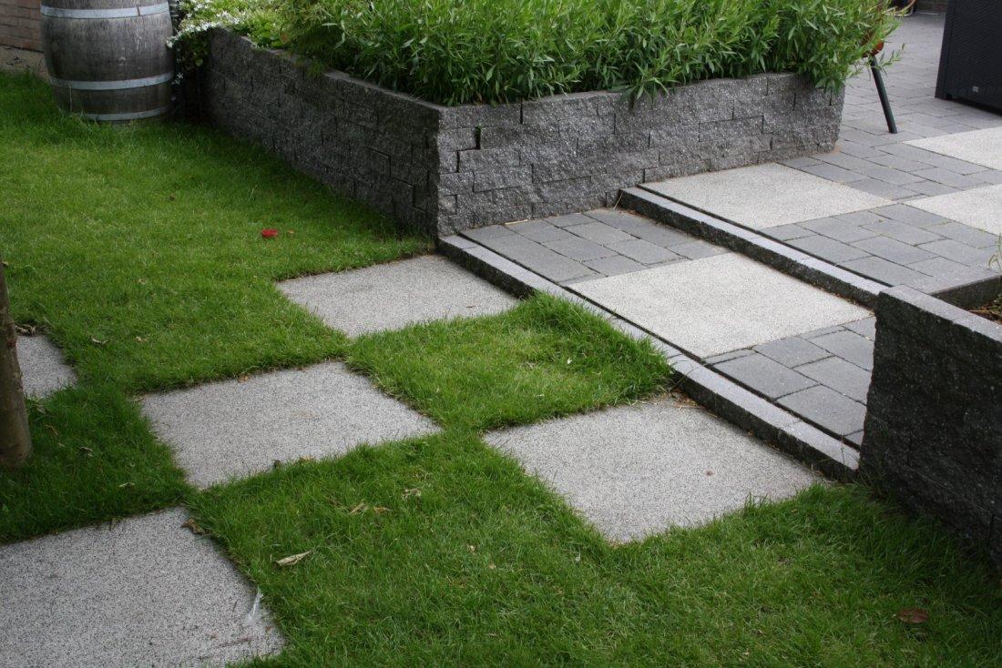 Moderne verrassende tuin - Moderne tuinfoto ...