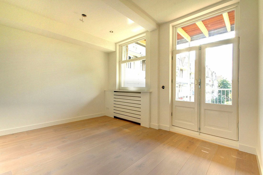 Splitsing en renovatie appartement Amsterdam